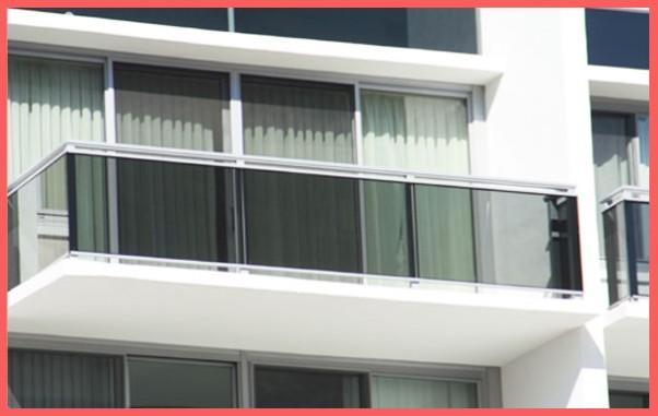 Balcony enclosures balustrades star aluminium for Balcony surrounds